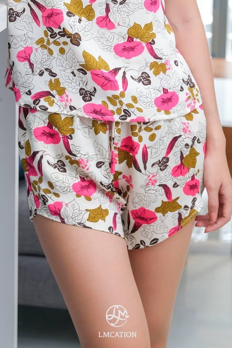 LMcation White-Garden Shorts