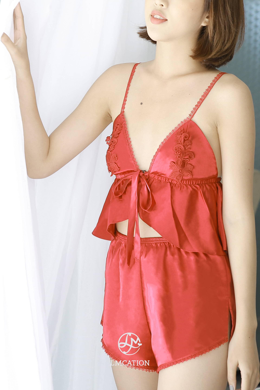 Bộ Đồ Ngủ Đính Hoa LMcation Bella Sexy - Đen và Đỏ